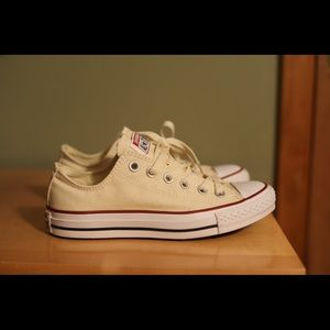 Converse yellow never worn sneakers.